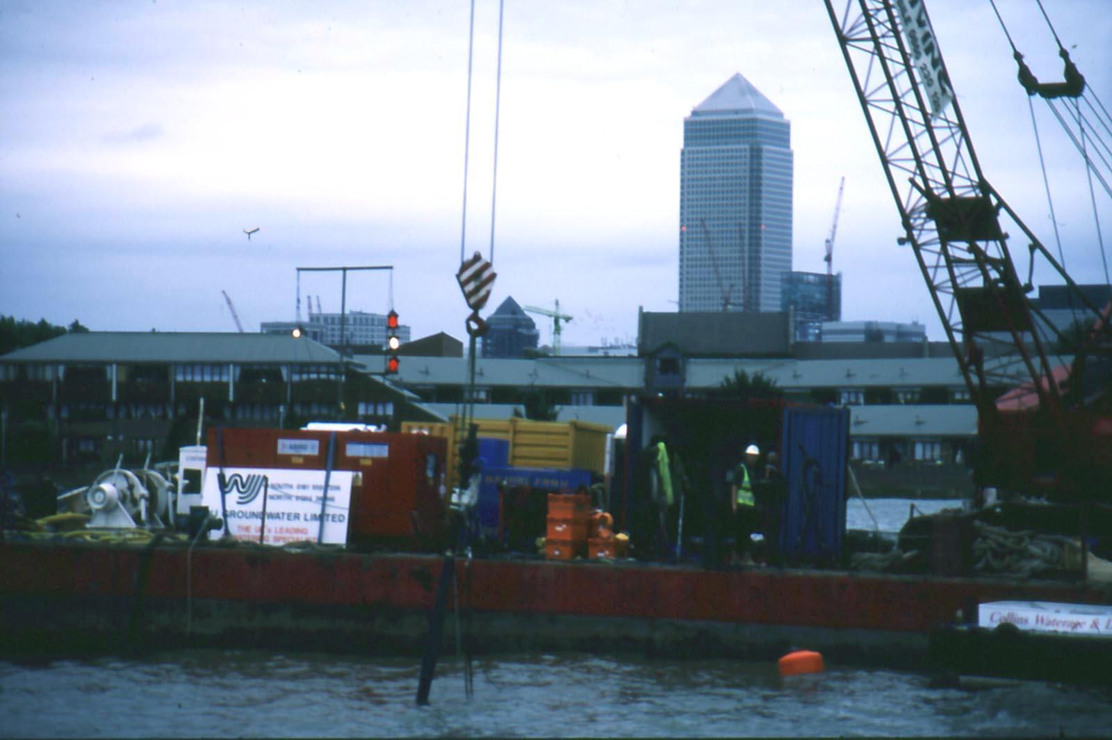 DLR-crane-barge.jpg
