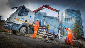 Installing pump using hi-ab lorry