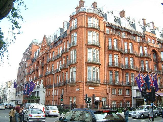 Claridges_Hotel_-_geograph.org_.uk_-_1064579.jpg